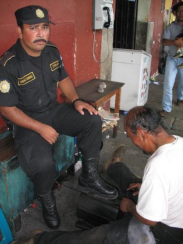 Shoe shining in Antigua