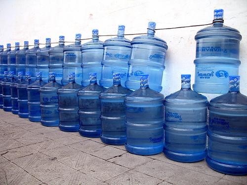 Salvavidas water bottles