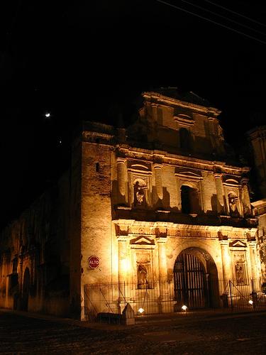 San Agustín y la luna