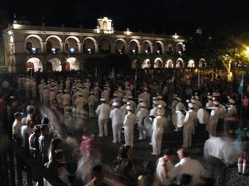 Desfile nocturno del Día de la Independencia