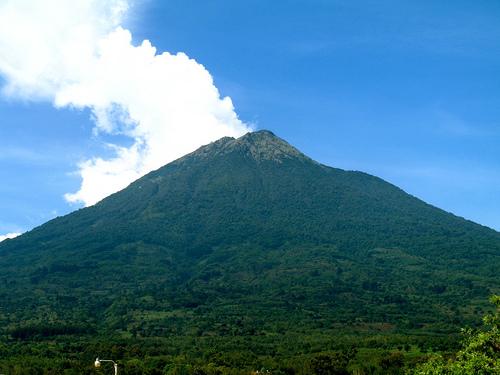 Volcán de Agua Wallpaper