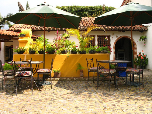 Let's Meet for Lunch at Quesos y Vinos Restaurant