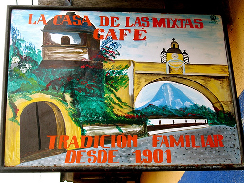La Casa de las Mixtas Sign