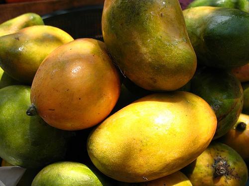 Guatemalan Fruit: Mango de pashte
