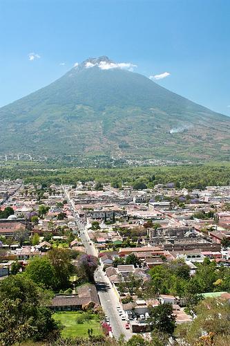Volcán de Agua and Antigua Guatemala