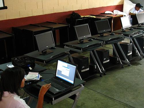 Escuelas Abiertas: Computer Workshops