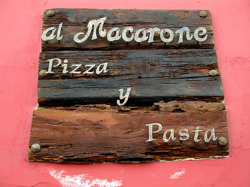 al Macarone Pizza y Pasta Sign