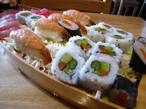Titanic Sushi Sampler