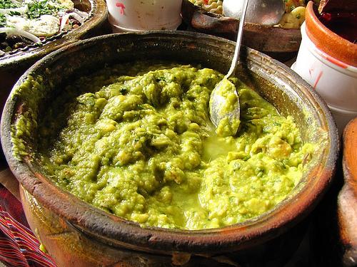 Guatemalan Cuisine: Guacamol by Rudy Girón