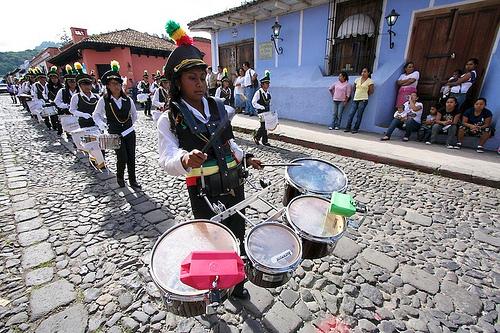 We like it noisy by Leonel Mijangos