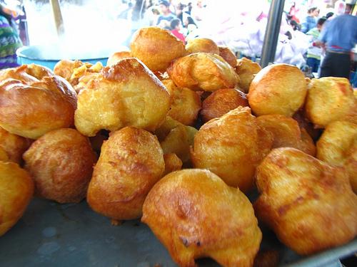 Guatemalan Desserts: Buñuelos by Rudy Girón