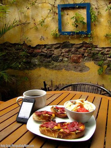 Breakfast at Sabe Rico by Rudy Girón