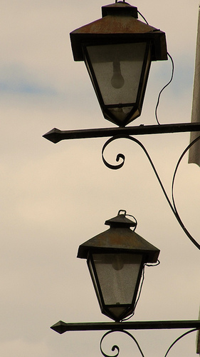 Colonial-style Lamps by Rudy Girón