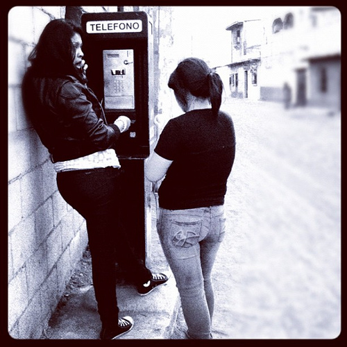 I thought nobody was using pay phones anymore in Guatemala; I guess I was wrong again.