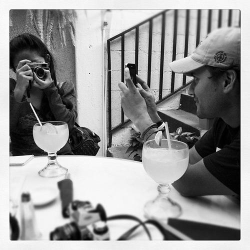 @wmorena vs @nelomh: Ella, él e Instagram