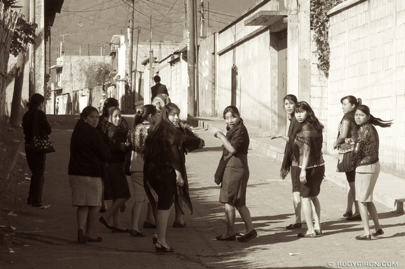 Rudy Giron: AntiguaDailyPhoto.com &emdash; Guatemalan Catholic Women