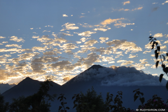 Rudy Giron: AntiguaDailyPhoto.com &emdash; Magical Sunsets in Antigua Guatemala