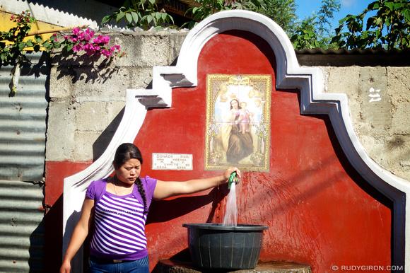 Rudy Giron: AntiguaDailyPhoto.com &emdash; Public Water Faucets in San Pedro Las Huertas