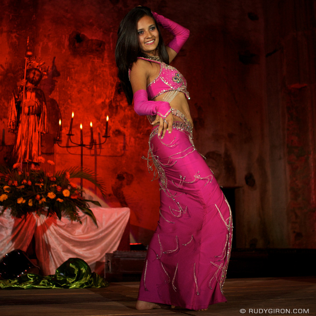 Rudy Giron: Instagrams &emdash; Belly Dancer in Antigua Guatemala