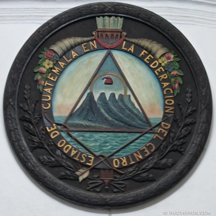 Rudy Giron: AntiguaDailyPhoto.com &emdash; Escudo Estado de Guatemala en La Federación Del Centro