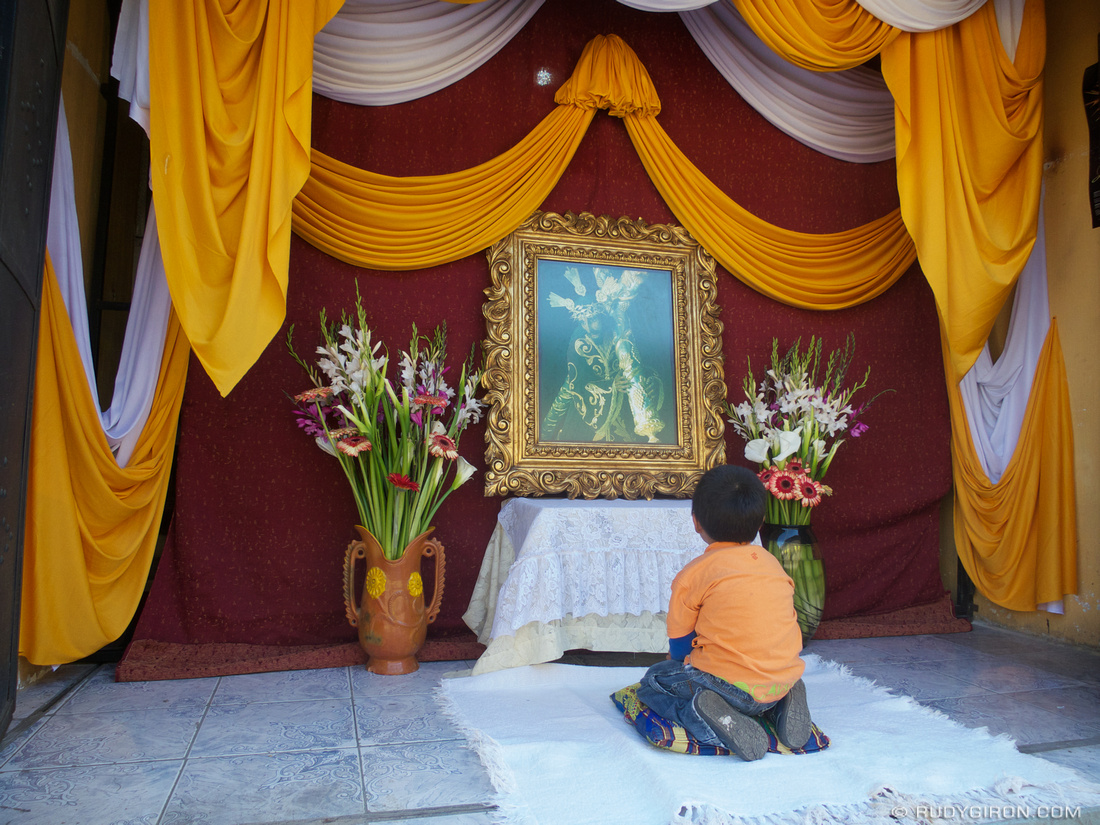 Rudy Giron: AntiguaDailyPhoto.com &emdash; Boy at the Altar in San Gaspar