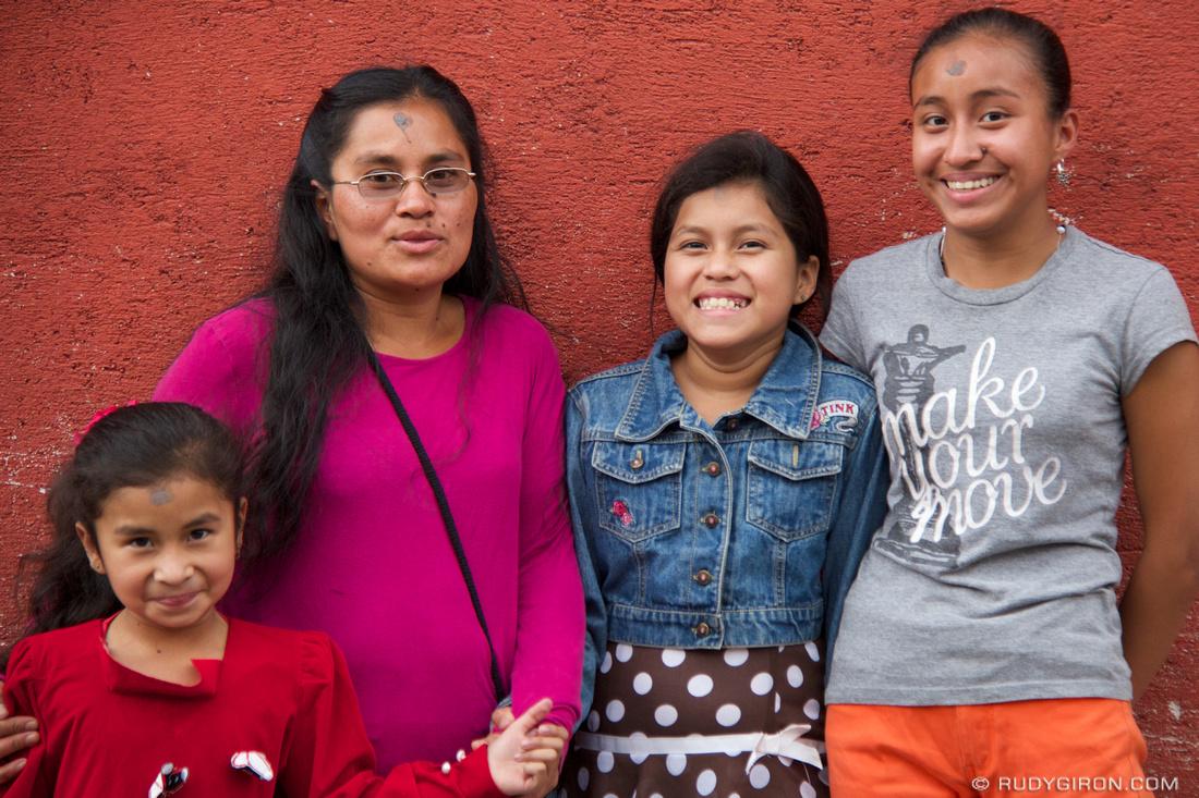 Rudy Giron: AntiguaDailyPhoto.com &emdash; Smiling Guatemalan Women
