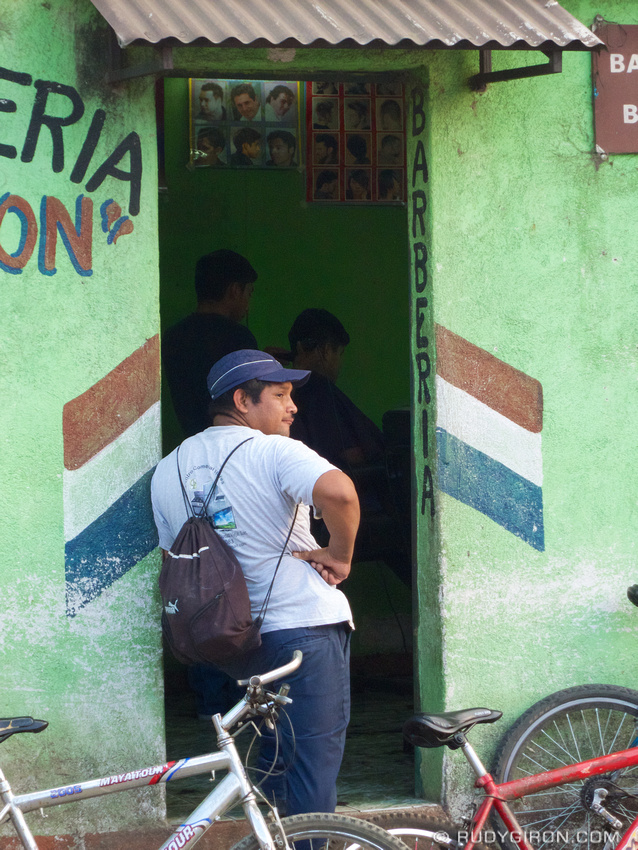 Rudy Giron: Antigua Guatemala &emdash; Waiting for a hair cut