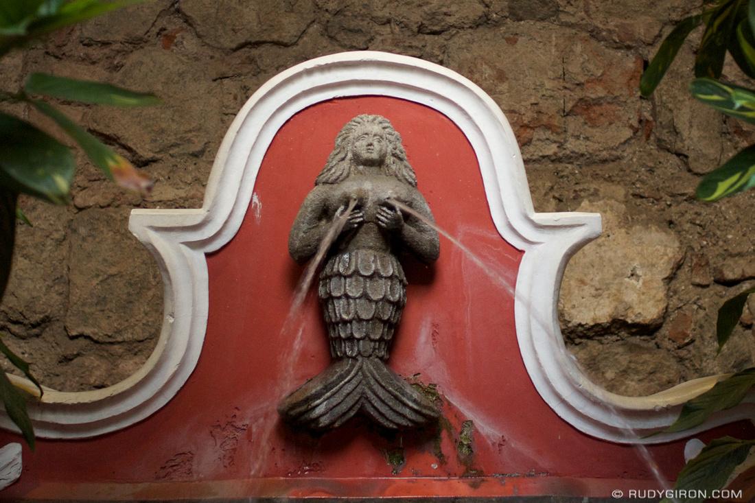 Rudy Giron: Antigua Guatemala &emdash; Sirena de Café Condesa, Antigua Guatemala