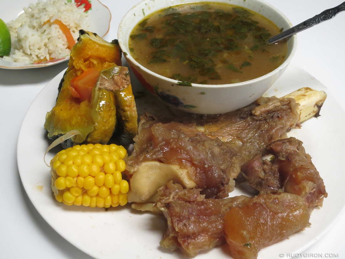 Guatemalan food caldo de pata antiguadailyphoto com for Antiguan cuisine