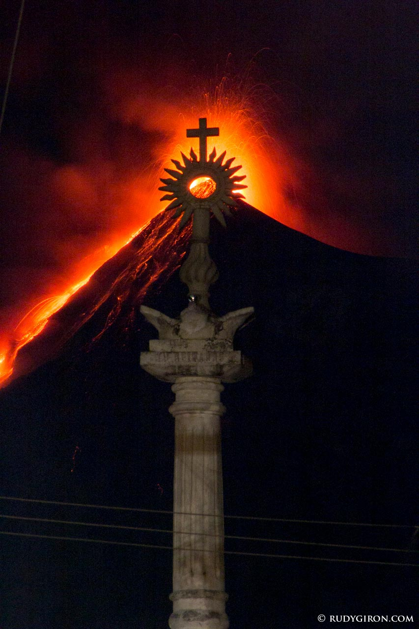 Framing The Eruptions of Volcano Fuego.   image by Rudy Giron + http://photos.rudygiron.com
