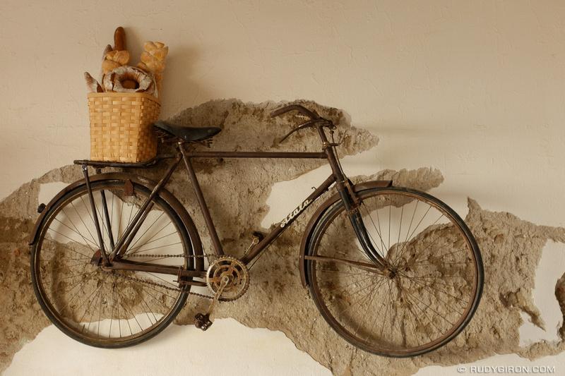 Rudy Giron: Antigua Guatemala &emdash; Bread delivery in Antigua Guatemala