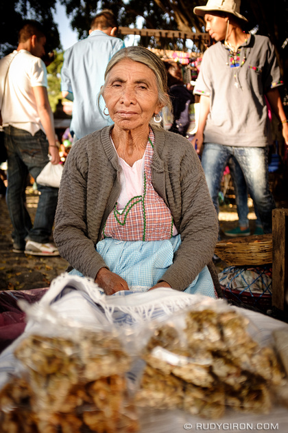 Rudy Giron: Antigua Guatemala &emdash; Portraits of Strangers — Vendedora de semillas