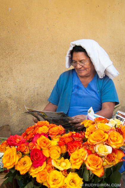 Rudy Giron: Antigua Guatemala &emdash; The rose vendor catching up with all news