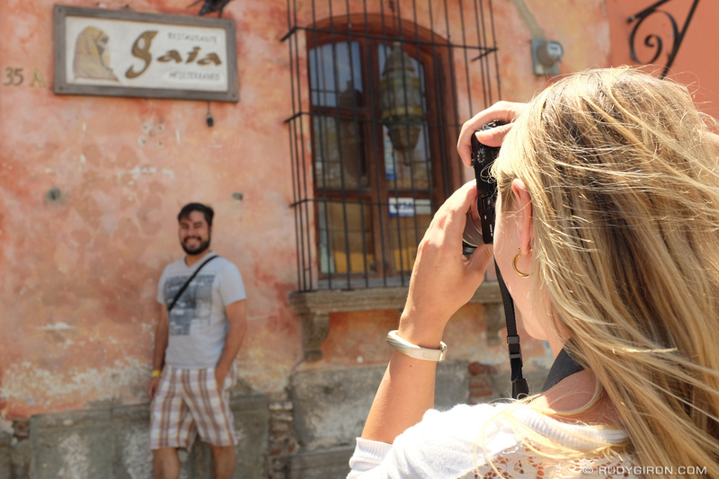 Rudy Giron: Antigua Guatemala &emdash; Overcoming your fears of photographing strangers