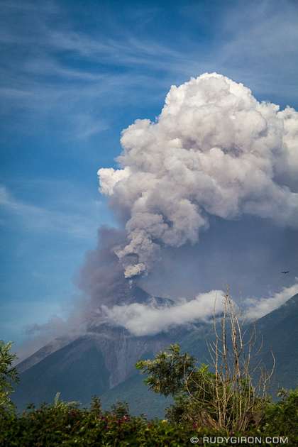 Rudy Giron: Antigua Guatemala &emdash; Volcán Fuego is such a show off