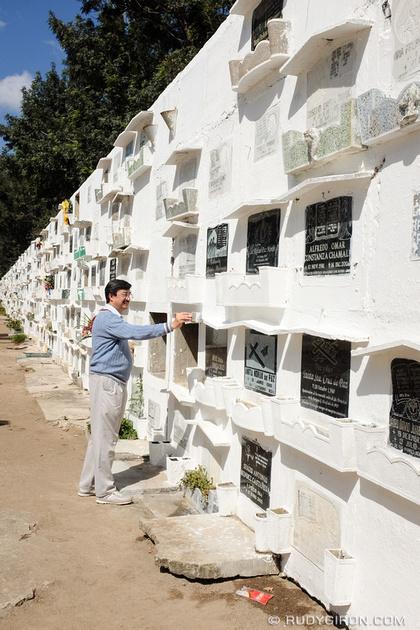 Rudy Giron: Antigua Guatemala &emdash; Antigua Guatemala Official History Writer Carlos Enrique Ber