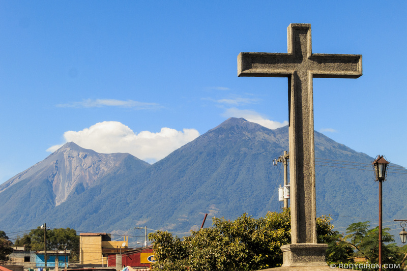 Rudy Giron: Antigua Guatemala &emdash; Sunshine and Temperate Weather in La Antigua Guatemala
