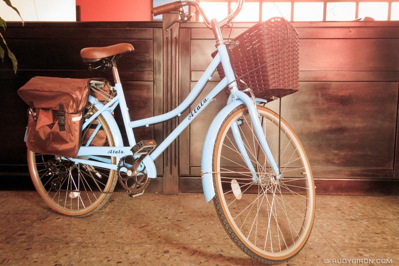Rudy Giron: Antigua Guatemala &emdash; New delivery vehicle for Correos de Guatemala