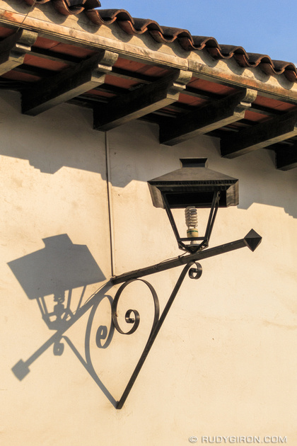 Rudy Giron: Antigua Guatemala &emdash; I heart lamp shadows from Antigua Guatemala
