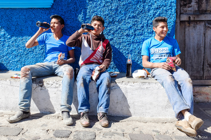Rudy Giron: Antigua Guatemala &emdash; Guatemalans having a good time during their snack time