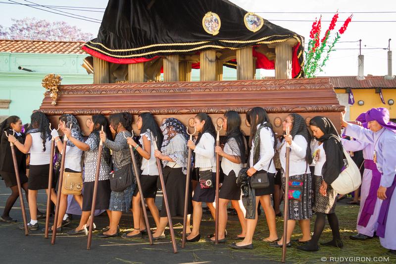 Rudy Giron: Antigua Guatemala &emdash; Hermanas cargadores Jocotenango