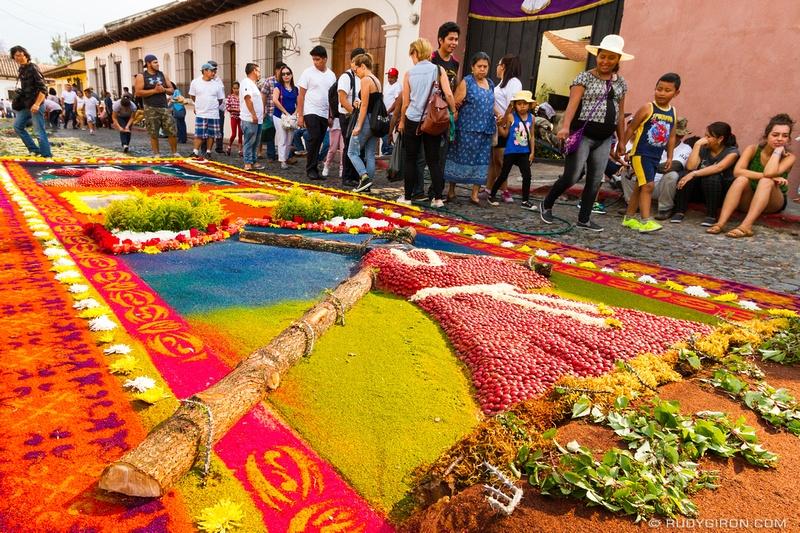 Rudy Giron: Antigua Guatemala &emdash; Holy Week Vistas — Processional Carpets