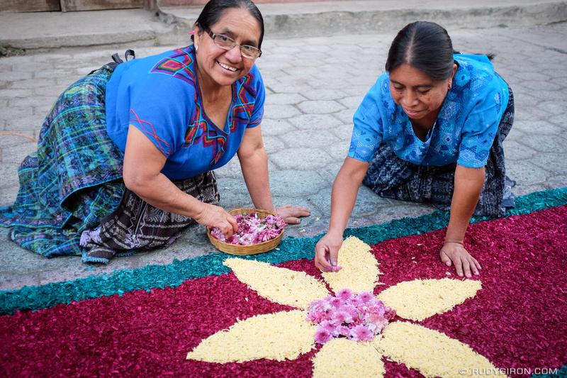 Rudy Giron: Antigua Guatemala &emdash; Holy Week Vistas — Elaboration of Processional Carpets