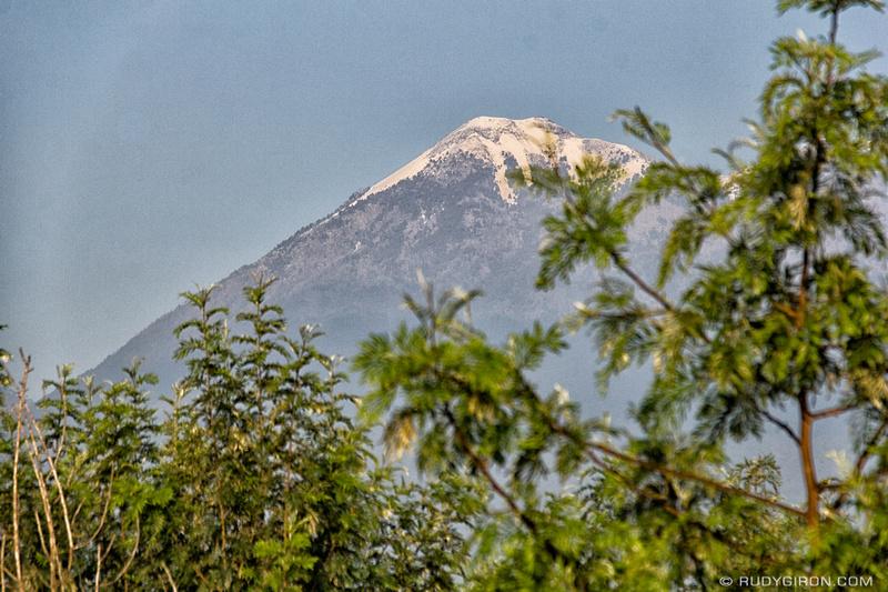 Rudy Giron: Antigua Guatemala &emdash; Volcanes Fuego y Acatenango con hielo 3