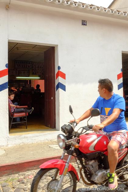 Rudy Giron: Antigua Guatemala &emdash; The traditional barber shops of Antigua Guatemala