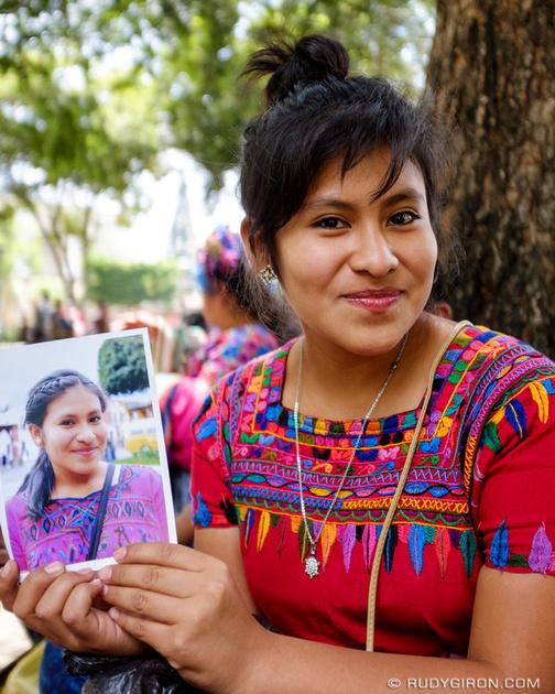 Rudy Giron: Antigua Guatemala &emdash; Giving Portrait Prints as Gifts