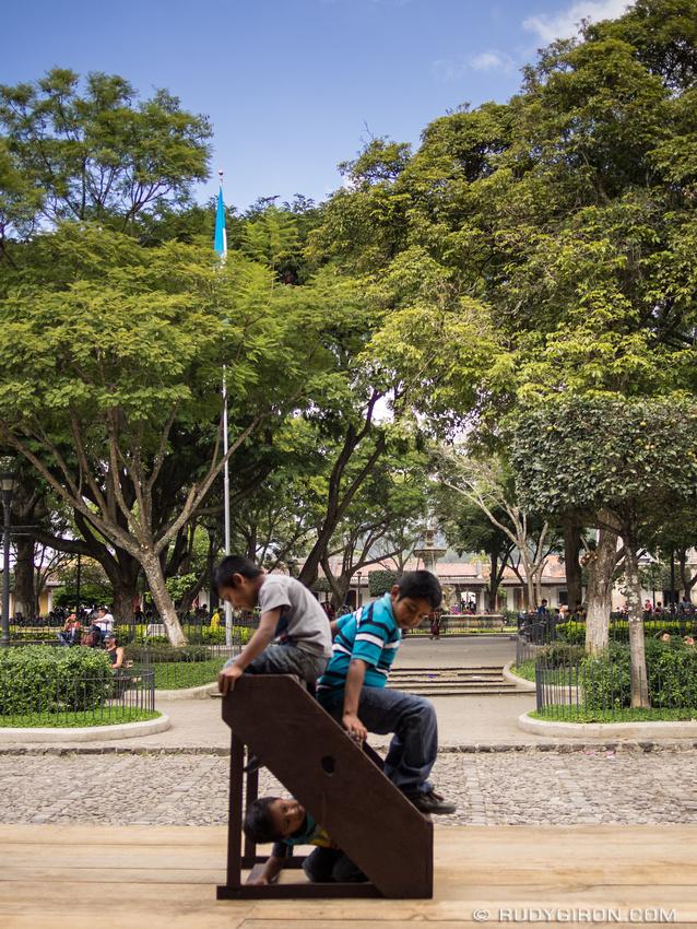 Rudy Giron: Antigua Guatemala &emdash; Imagination is the best game for children in Guatemala