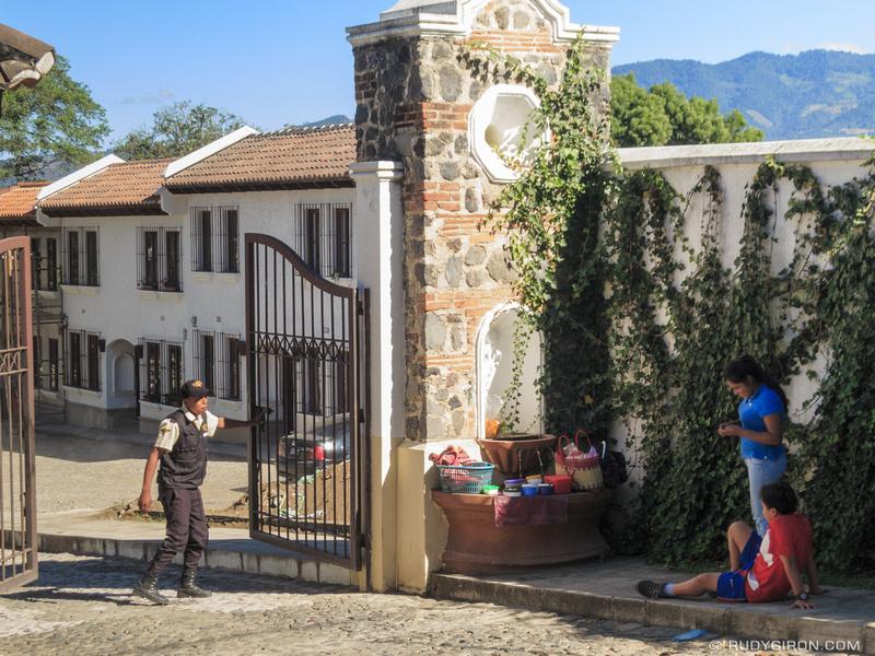 Rudy Giron: Antigua Guatemala &emdash; Ambulant food vendor in Antigua Guatemala